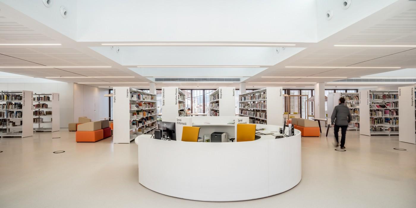 taulell central biblioteca
